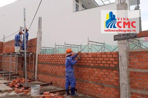 Cát xây tường nhà