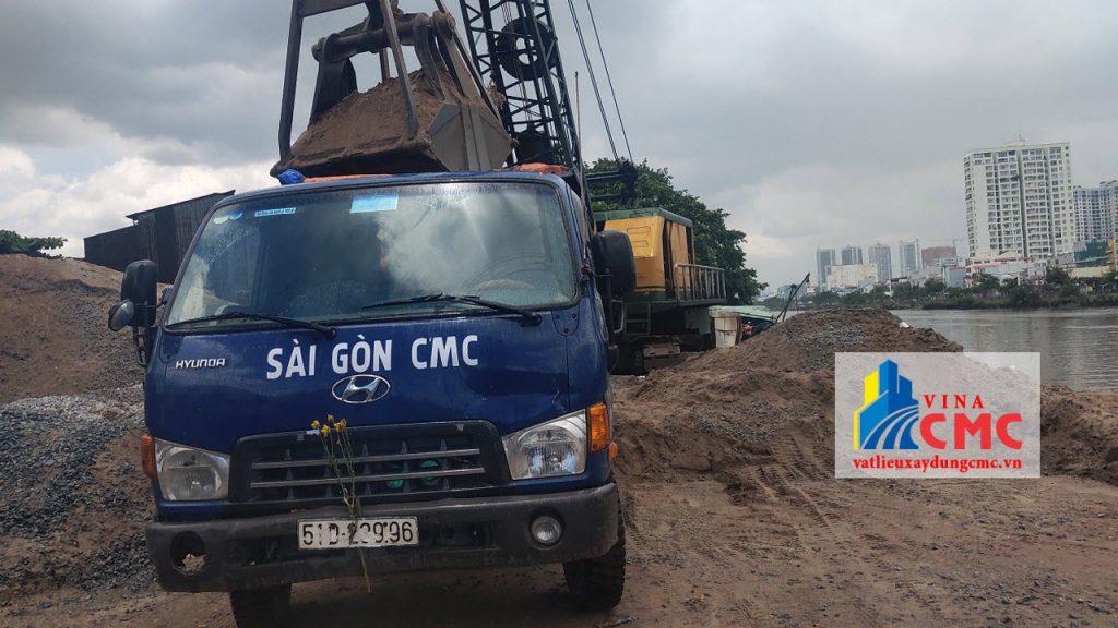 1 xe tải chở được bao nhiêu khối cát