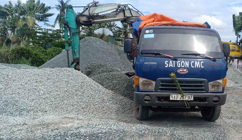 Giá đá xây dựng tính theo xe 2 tấn, 3 tấn, 5 tấn