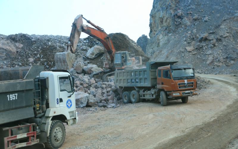 Tách triết nguyên liệu khô phục vụ sản xuất xi măng